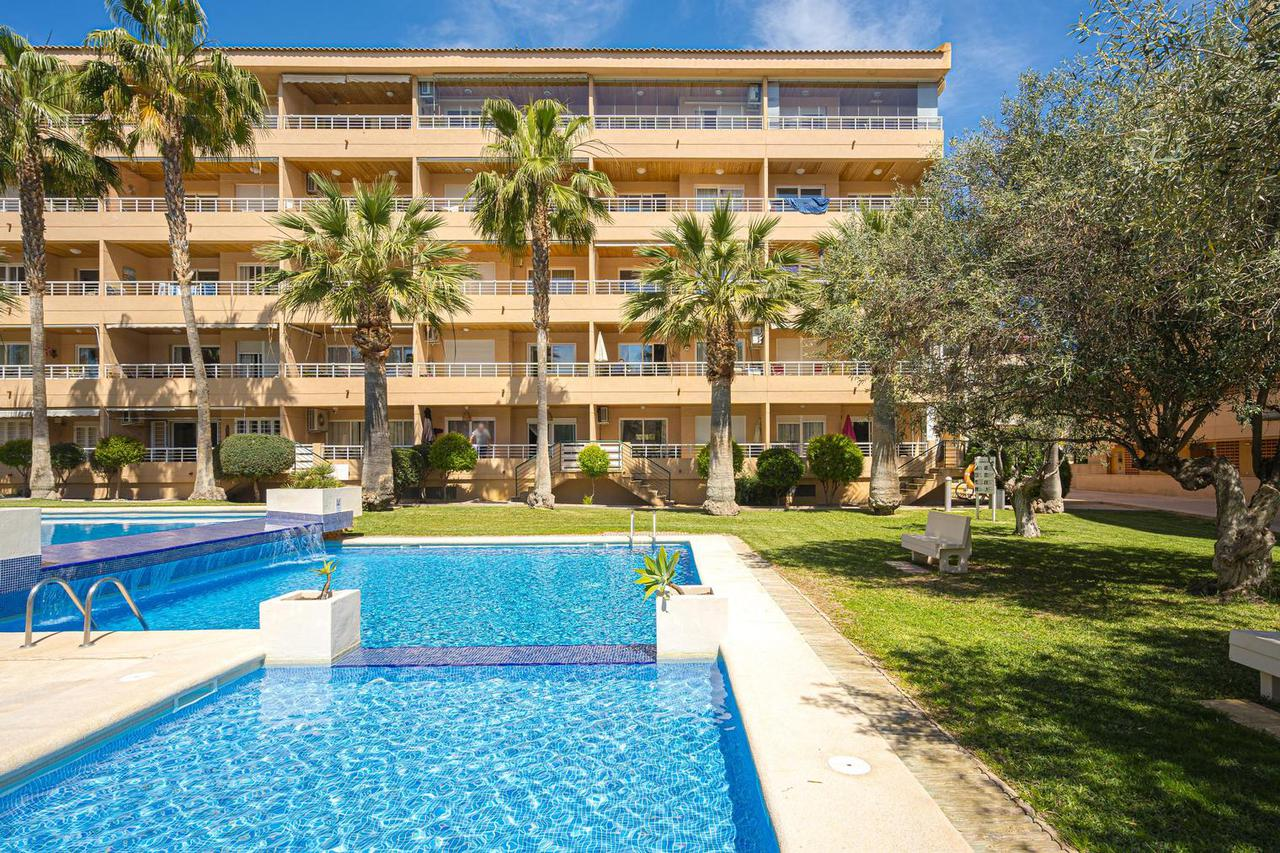 Apartment -                                       Playa De Albir -                                       2 bedrooms -                                       5 persons