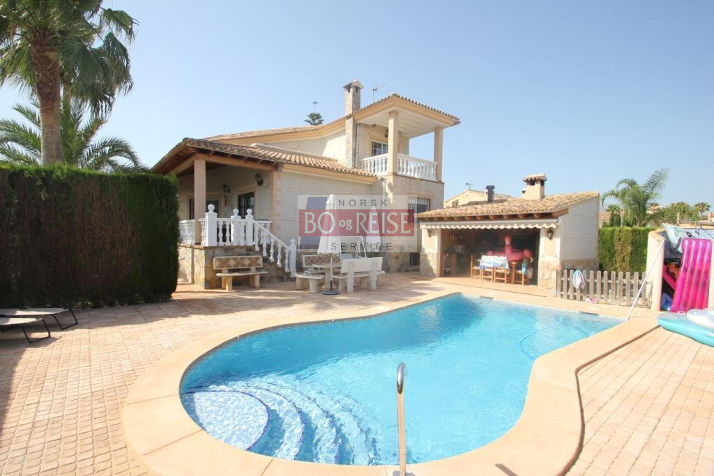 Villa -                                       Alfaz Del Pi -                                       4 bedrooms -                                       0 persons