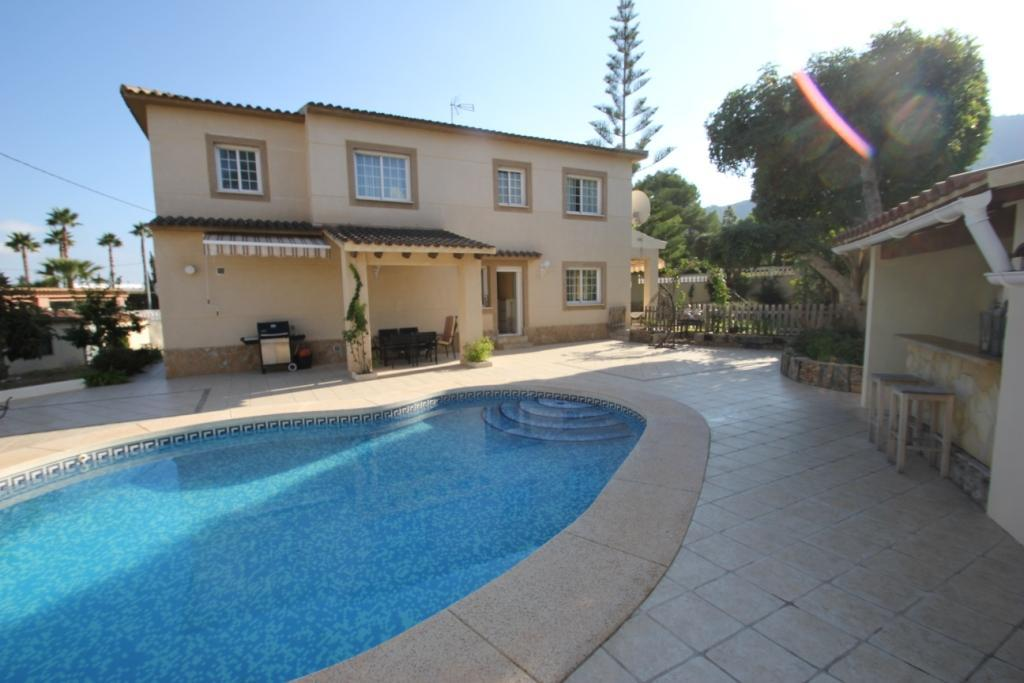 Villa -                                       Playa De Albir -                                       4 bedrooms -                                       0 persons