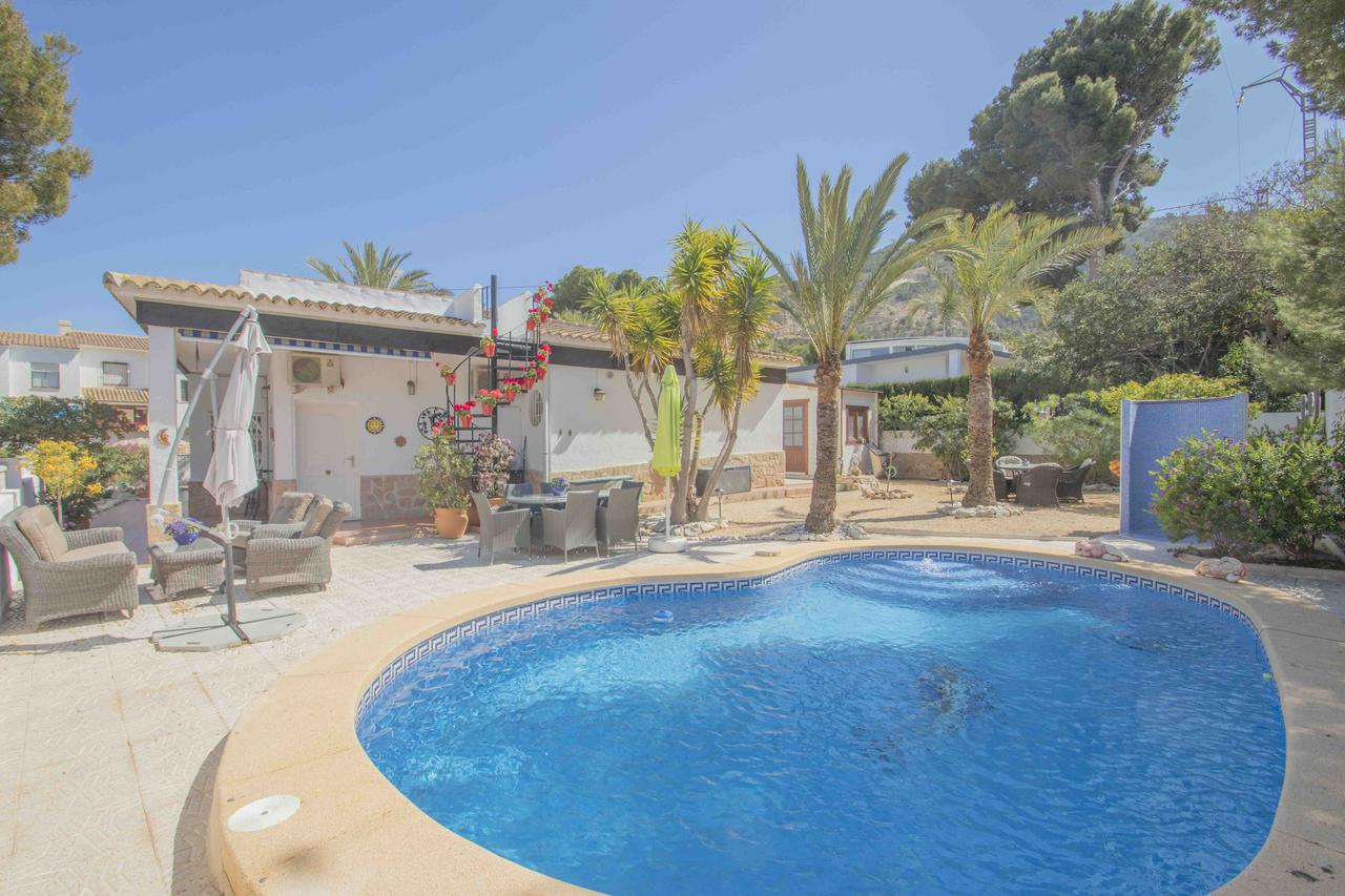 Villa -                                       Playa De Albir -                                       4 bedrooms -                                       8 persons