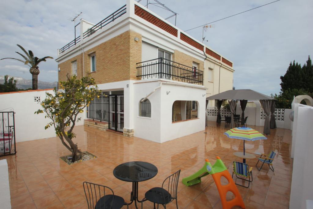 Bungalow -                                       Albir -                                       3 bedrooms -                                       0 persons