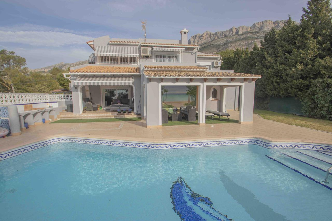 Villa -                                       Altea -                                       4 bedrooms -                                       0 persons