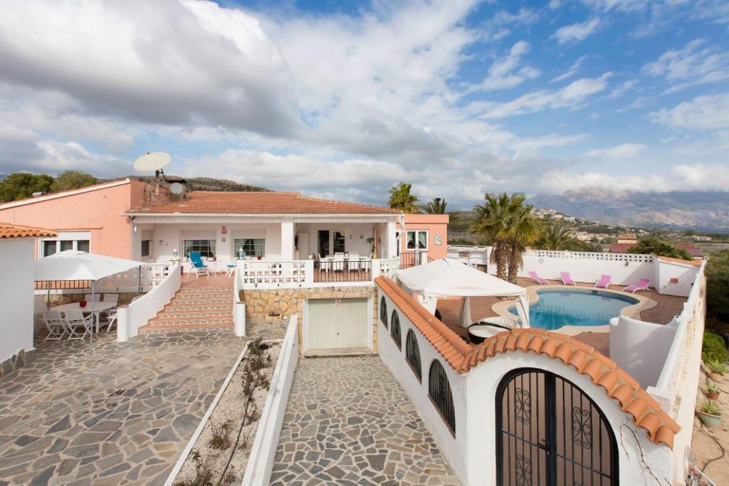 Villa -                                       Alfaz Del Pi -                                       5 bedrooms -                                       0 persons
